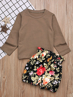 Solid Crew Neck Top With Flower Shorts For Girls