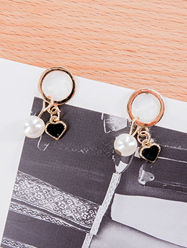 Ins Style Heart Pearl Hollow Out Round Earring