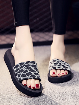 New Arrival Leopard Fabric Beach House Slippers For Ladies